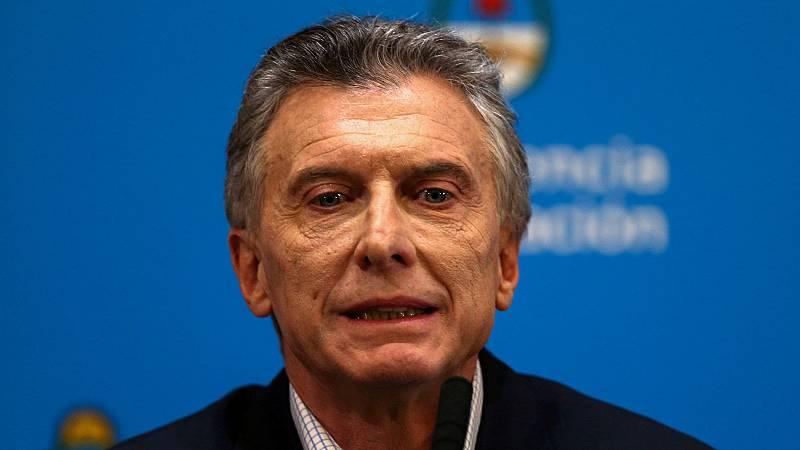 Argentina pide al FMI aplazar el pago de su deuda