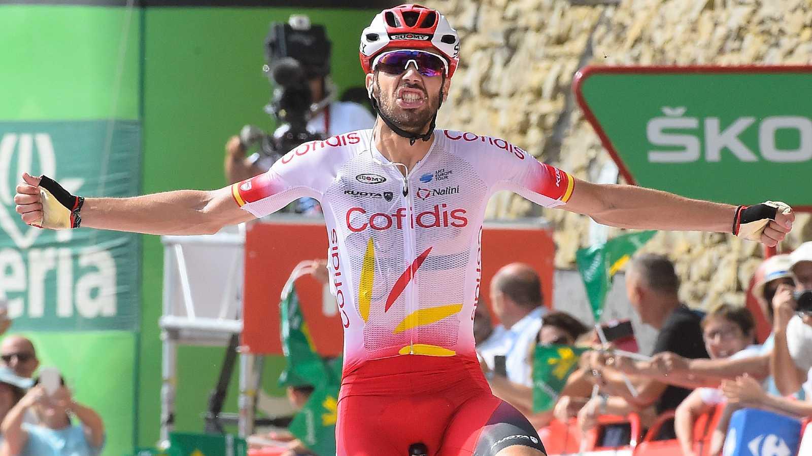 El ciclista español de Cofidis Jesús Herrada 'vengó' a su hermano y se llevó la sexta etapa de la Vuelta con final en Ares del Maestrat, mientras que Teuns se viste de rojo en detrimento de 'Supermán' López.