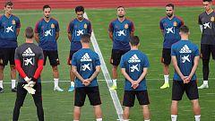 La selección española rinde homenaje a Blanca Fernández Ochoa
