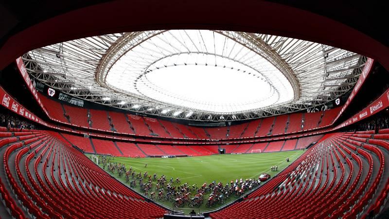 El estadio del Athletic Club ha acogido la salida de la 13ª etapa de la Vuelta a España 2019.