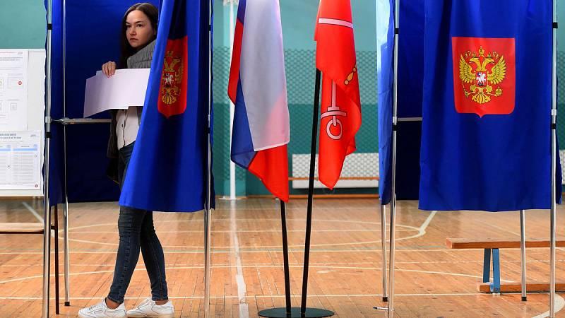 Las elecciones locales en Rusia han supuesto un serio revés para el partido de Vladímir Putin... En la Duma de Moscú, la más importante, la oposición ha logrado 20 de los 45 escaños... El resultado se interpreta como un castigo al presidente del país