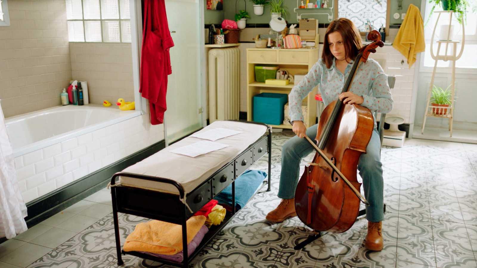 Bany compartit - La pau del violoncel - cap 27