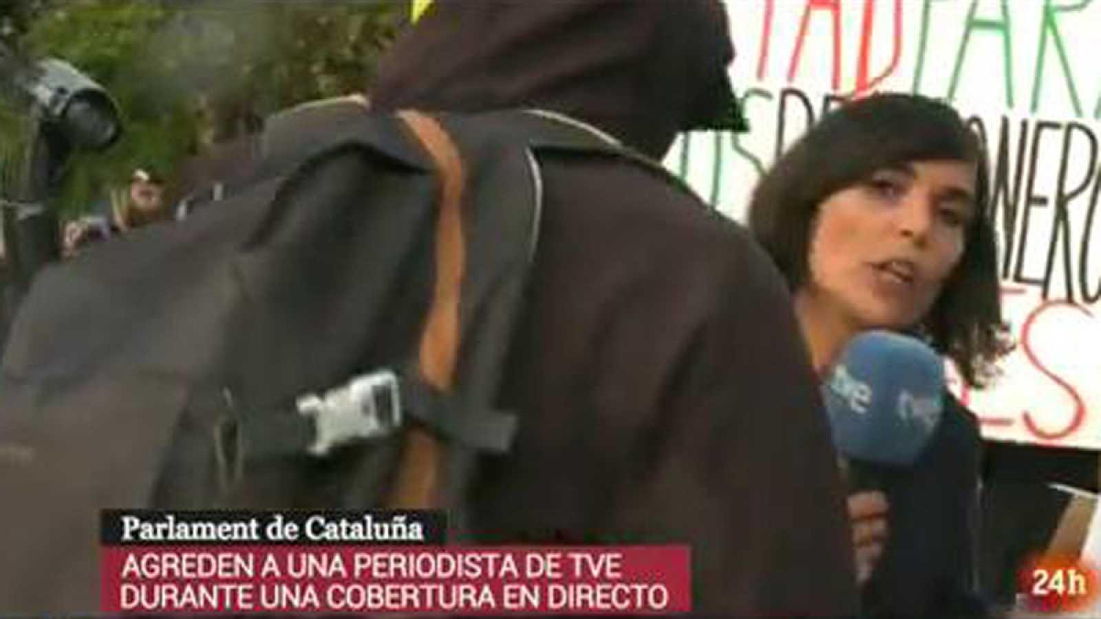 Agreden a una periodista de TVE durante la cobertura de la manifestación de la Diada