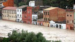 El río Clariano se desborda a su  paso por Ontinyent (Valencia)