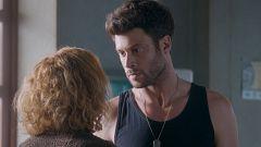 Servir y Proteger - Álvaro le confiesa a su madre que Santos mato a Luis