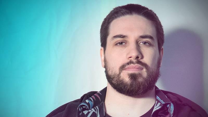 """Manuel Huedo sobre la segunda temporada de Bajo la red: """"Kiu lo pasa realmente mal"""""""