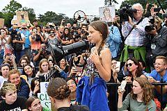 Greta Thunberg reclama acción contra el cambio climático frente a la Casa Blanca