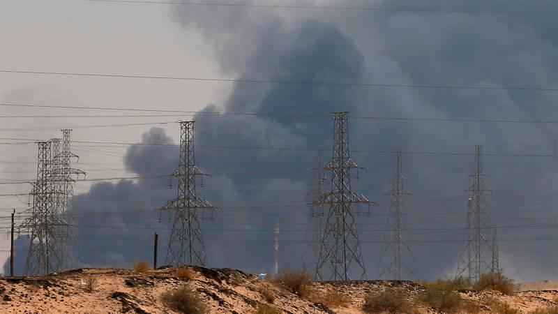 Drones dirigidos por los rebeldes hutíes de Yemen atacan dos refinerías de Aramco en Arabia Saudí