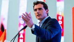 Oferta de Rivera a Casado: abstenerse para investir a Sánchez con tres condiciones