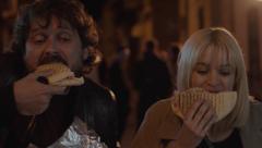 """Malaka - Darío y Blanca comen un """"Campero"""""""