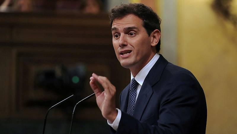 """Sánchez responde por carta a Rivera que ya cumple sus tres requisitos y el líder de Cs habla de """"tomadura de pelo"""""""