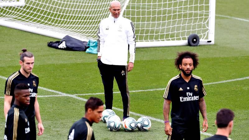 El lateral brasileño del Real Madrid, Marcelo Vieira, no entró en  la lista de convocados para la visita de este miércoles al Paris  Saint-Germain francés y que supondrá el debut del equipo en la Liga  de Campeones.