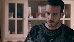 Servir y Proteger - Silvia visita la casa de los Soler en busca de Ricky