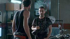 Servir y Proteger - Ricky vuelve al taller de Álvaro y le pide ayuda