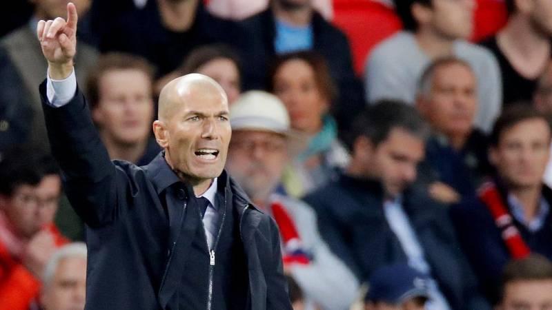 """El entrenador del Real Madrid se ha declarado """"molesto"""" y """"preocupado"""" por la falta de intensidad de su equipo en la derrota ante el PSG (3-0)."""