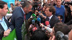 El alcalde de Madrid y Ortega Smith se enzarzan por el boicot de Vox al minuto de silencio contra la violencia de género