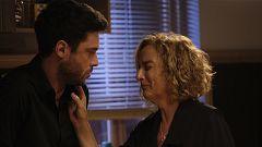 Servir y Proteger - Álvaro anima a su madre tras el funeral de Ricky