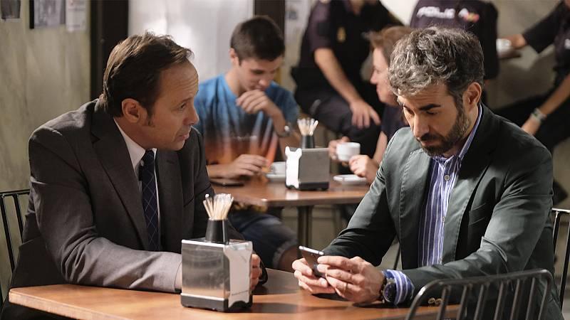 Mateo y Andrés en el bar de La Parra