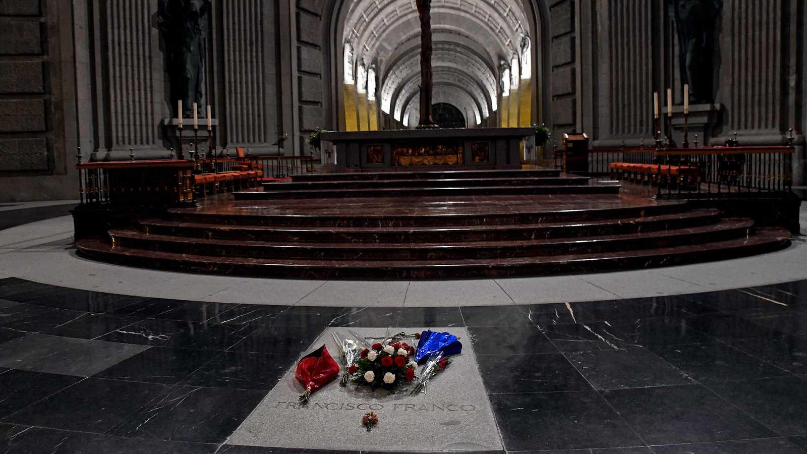 La sentencia de exhumación de Franco se cuela en la precampaña