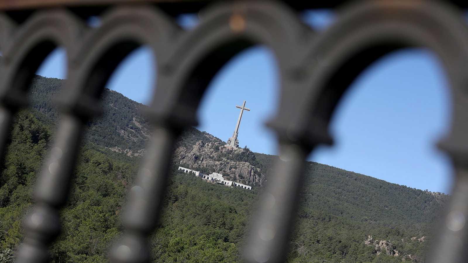 La exhumación de Franco, pendiente de la licencia de obras