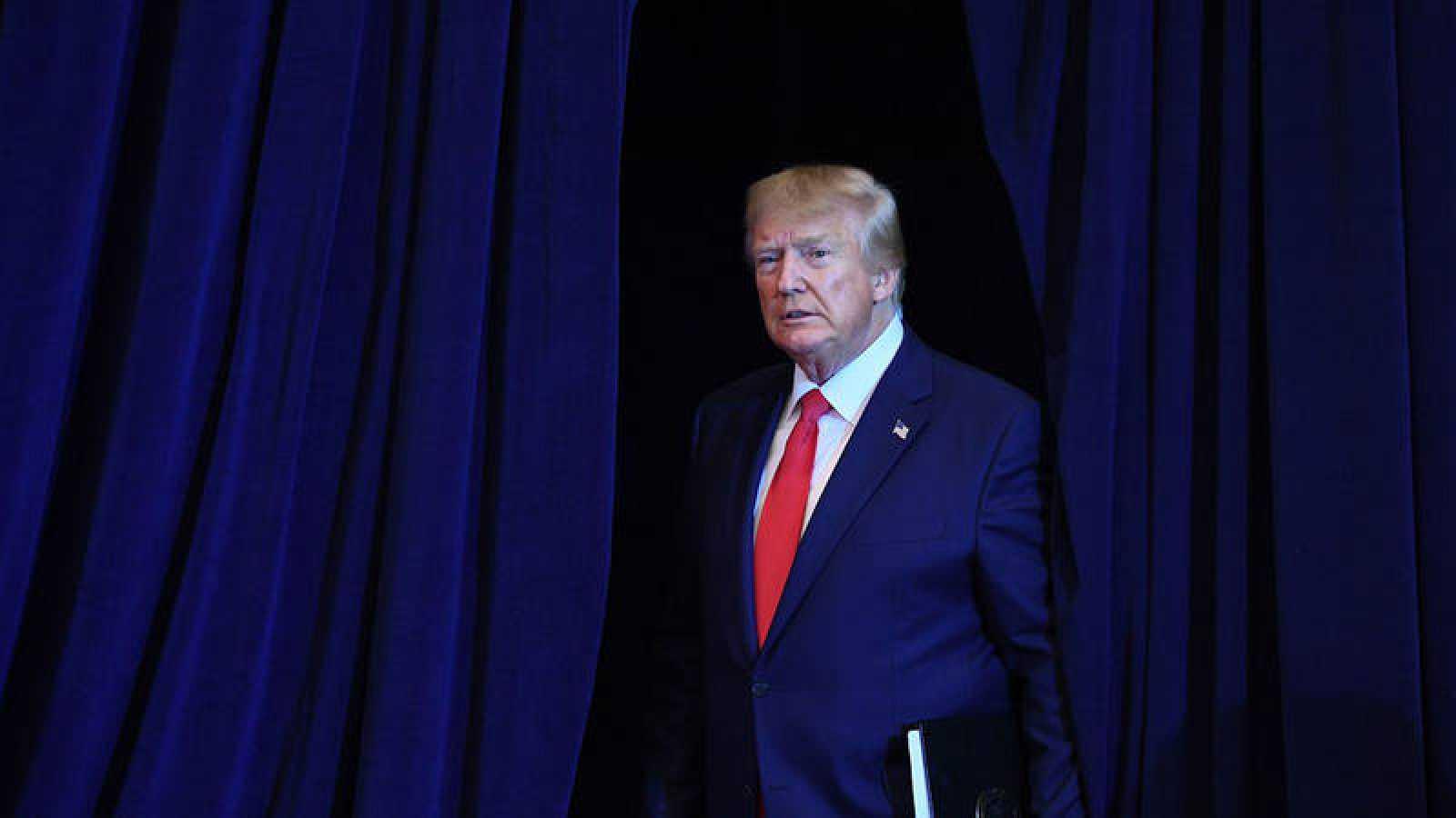 El denunciante del 'Ucraniagate' acusó a Trump de querer interferir en las elecciones