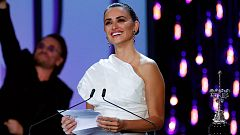 Penélope Cruz recoge el Premio Donostia con un aplaudido alegato contra la violencia de género