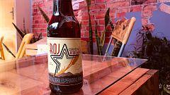 La cerveza La Roja, el producto estrella de un café regentado por un exguerrillero de las FARC