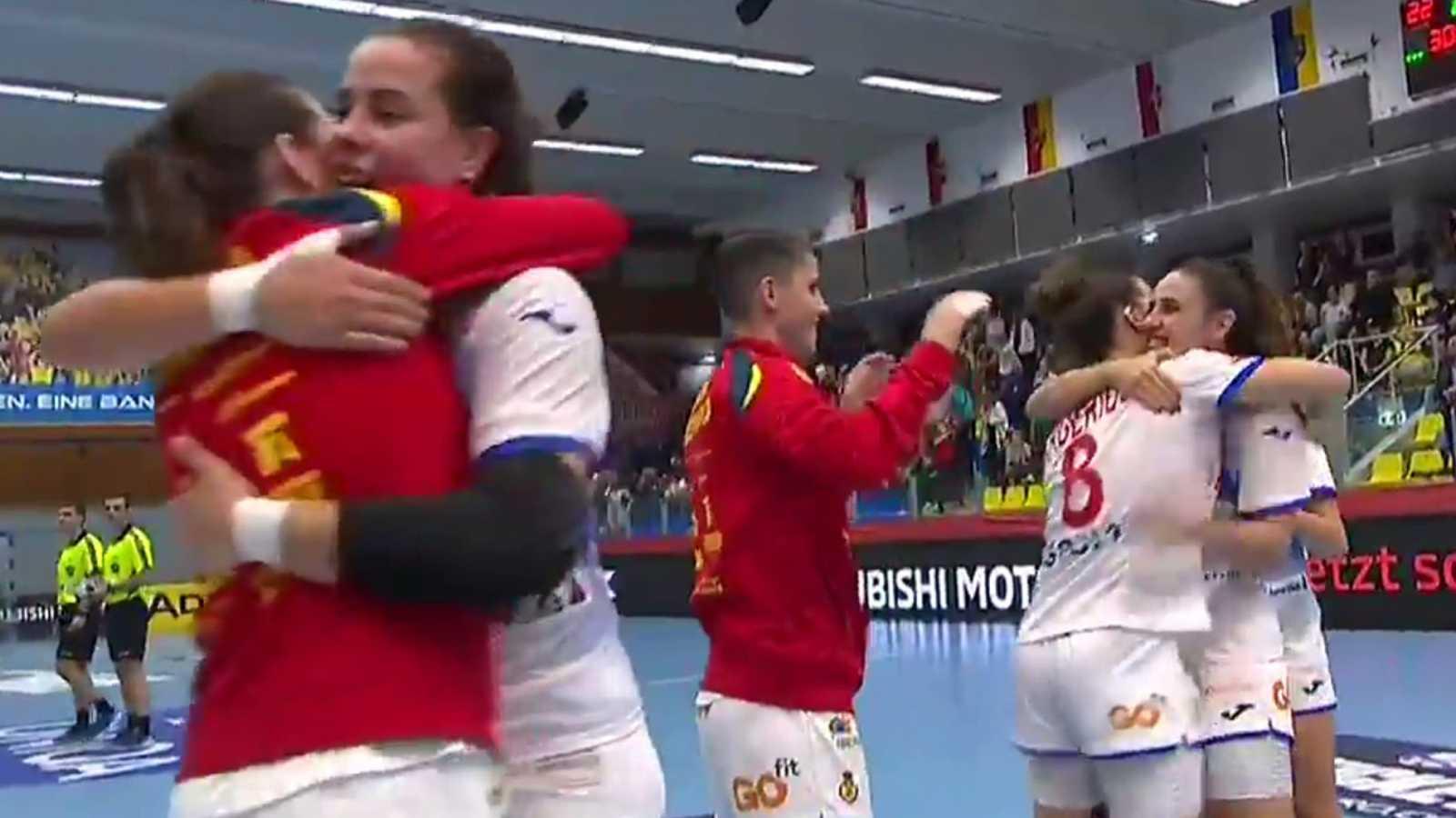 España encarrila la clasificación con una lección defensiva