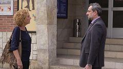 Servir y Proteger - Antúnez le comunica a Elvira que Miralles está libre de cargos