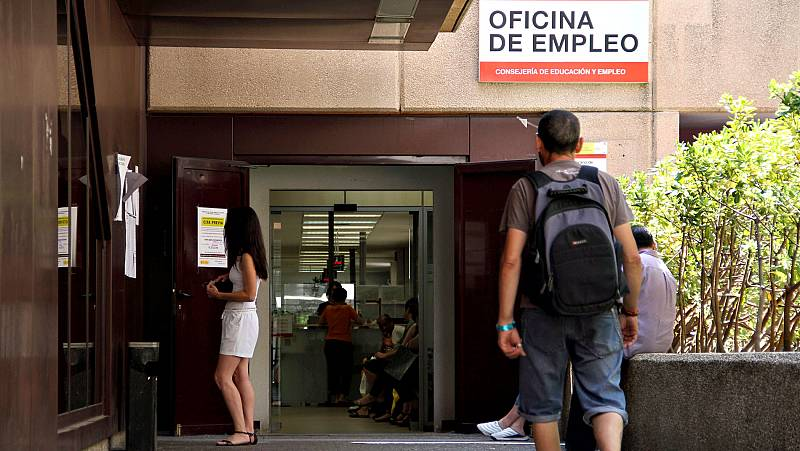 La creación de empleo se frena en septiembre y el paro sube en 13.907 personas
