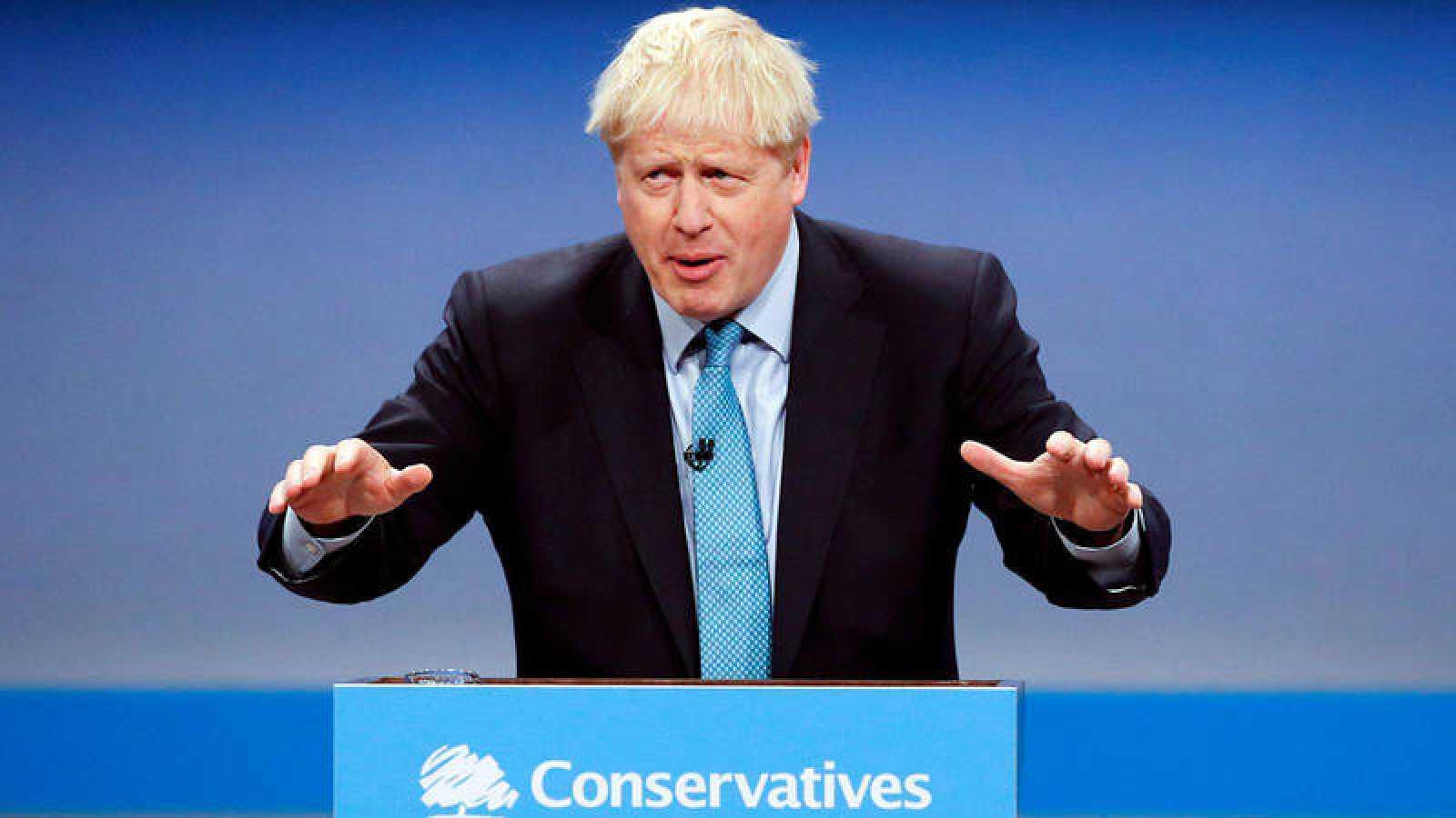 """Bruselas reconoce """"avances positivos"""" en la propuesta de Johnson aunque ve """"puntos problemáticos"""""""