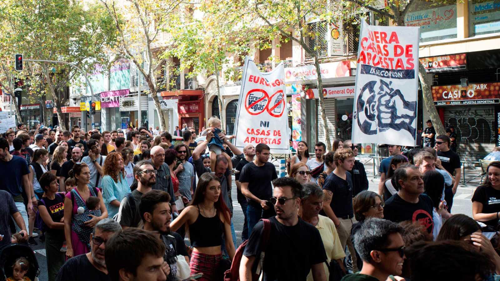 """Madrid reclama un ocio """"digno"""" frente a la """"plaga"""" de las casas de apuestas - Ver ahora"""