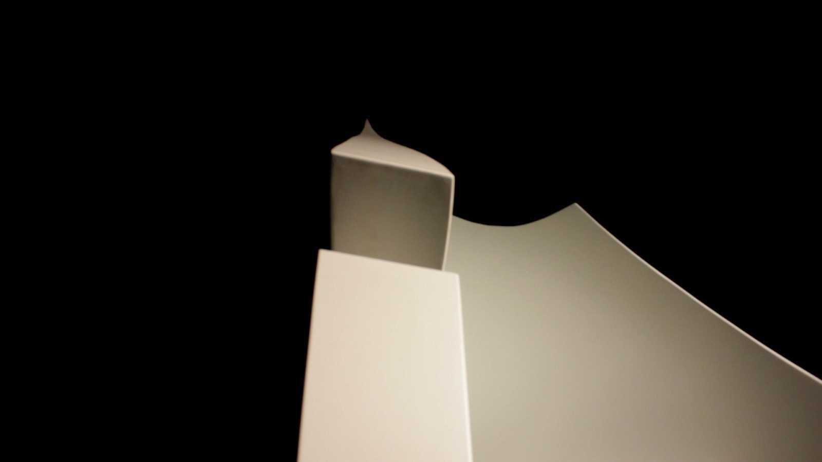 Fragmentos del documental 'Isla, vuelo y horizonte' sobre la escultora Mª Belén Morales
