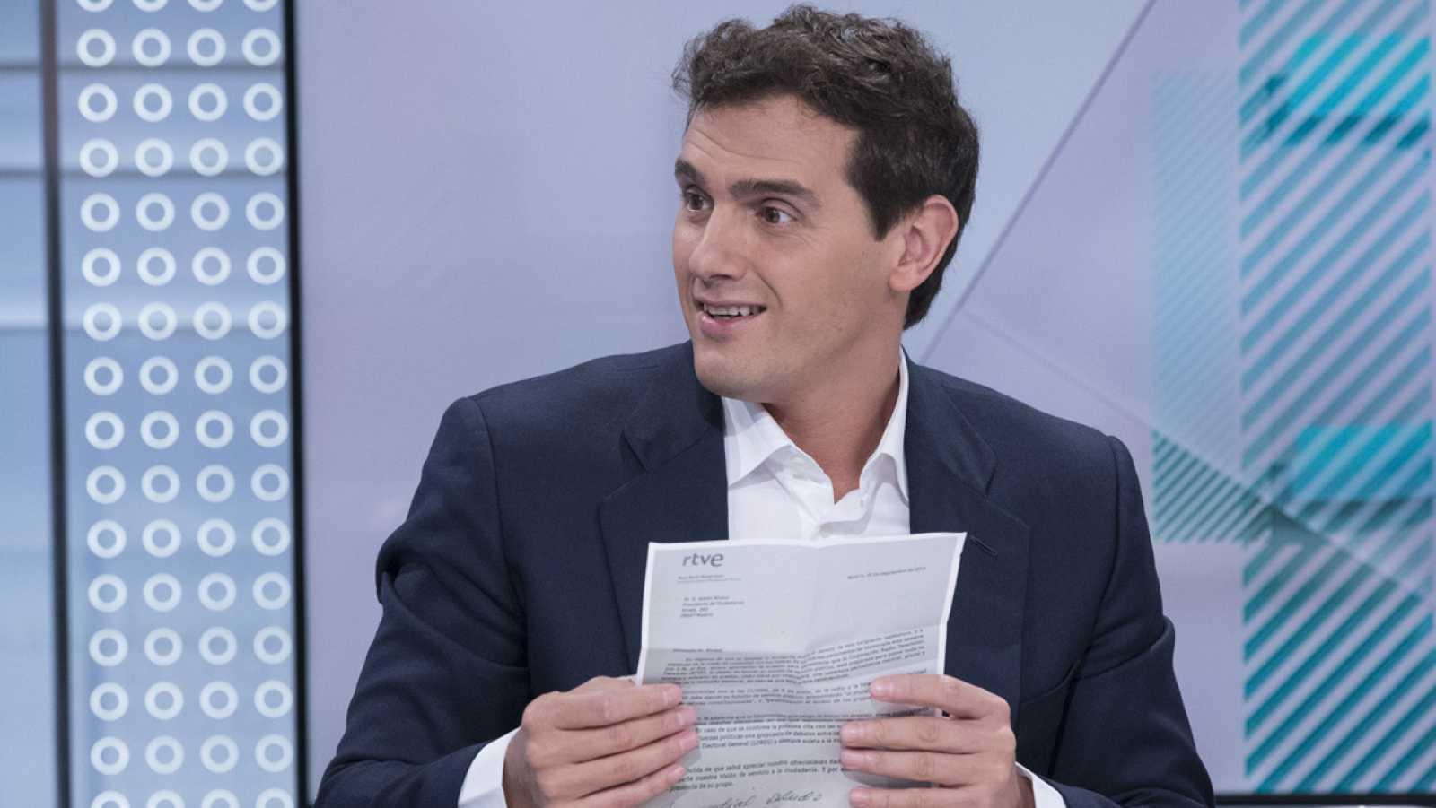 """Rivera tacha a RTVE de """"TeleSánchez"""""""