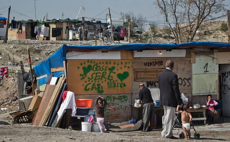 En España hay seis millones de personas al borde de la pobreza, según Cáritas