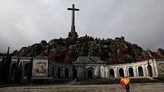 """Las reacciones de los últimos visitantes a la tumba de Franco: """"Esto es una profanación"""""""