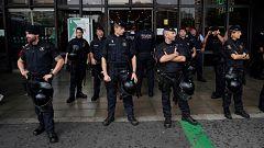 Fuerte presencia policial en la estación de Sants, que tiene limitados los accesos