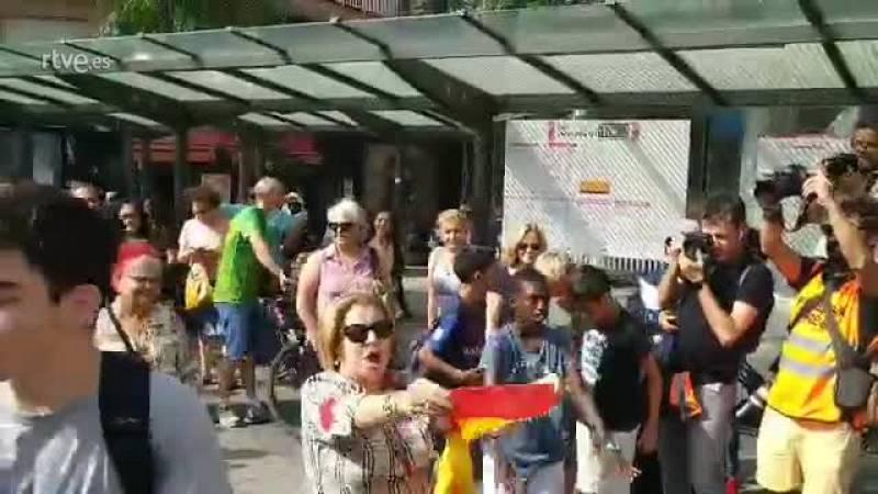Agresión a una mujer con una bandera de España en las protestas por la sentencia del 'procés'