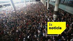 Miles de manifestantes independentistas se dirigen a pie al aeropuerto de Barcelona