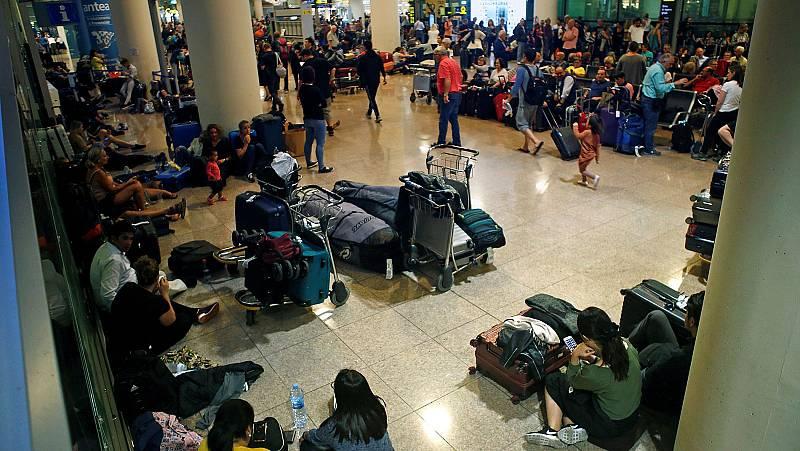 Cancelados 45 vuelos en el Prat