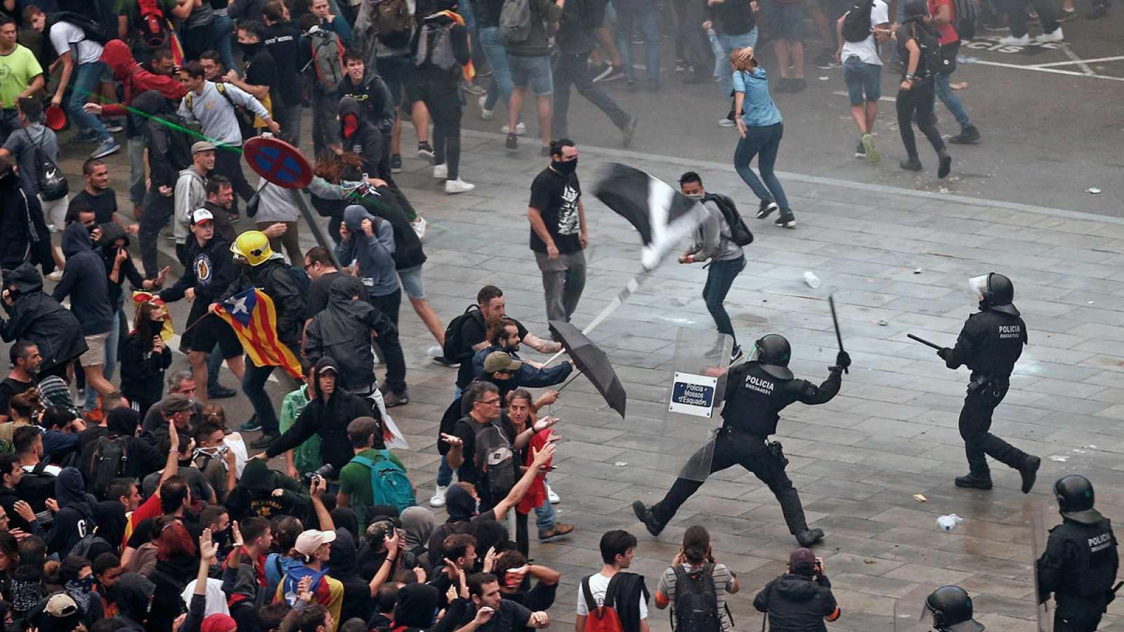 Las cargas policiales en Barcelona dejan 131 heridos