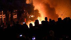 La tensión aumenta en las protestas de Barcelona con fuertes choques entre manifestantes y fuerzas de seguridad