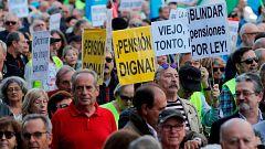 Jubilados de toda España se manifiestan frente al Congreso para exigir pensiones dignas