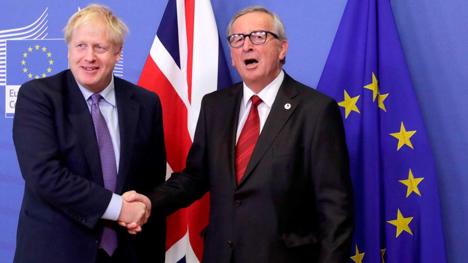 LaUnión Europea y el Gobierno de Reino Unidoque encabeza Boris Johnsonhan cerrado unacuerdo para llevar a cabo unBrexitordenado, justo a tiempo para que los líderes europeos lo revisen este jueves en la cumbre que celebran en Bruselas, si bien