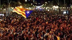 Miles de personas se manifiestan en el centro de Barcelona con los CDR mientras se desarrolla otra concentración por la unidad de España