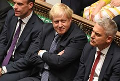 El Parlamento británico pospone la votación del 'Brexit' y fuerza a Johnson a pedir una prórroga