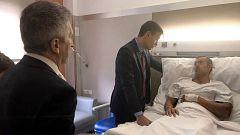 Sánchez visita la Jefatura de Policía de Barcelona y a los agentes heridos en los disturbios de la semana pasada