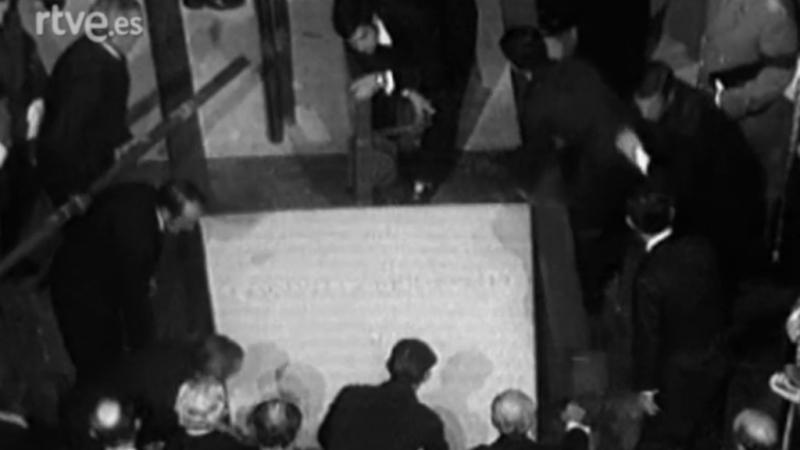Misa 'corpore insepulto' por la muerte de Francisco Franco (1975)
