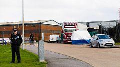 Hallan 39 muertos en un camión frigorífico en Reino Unido