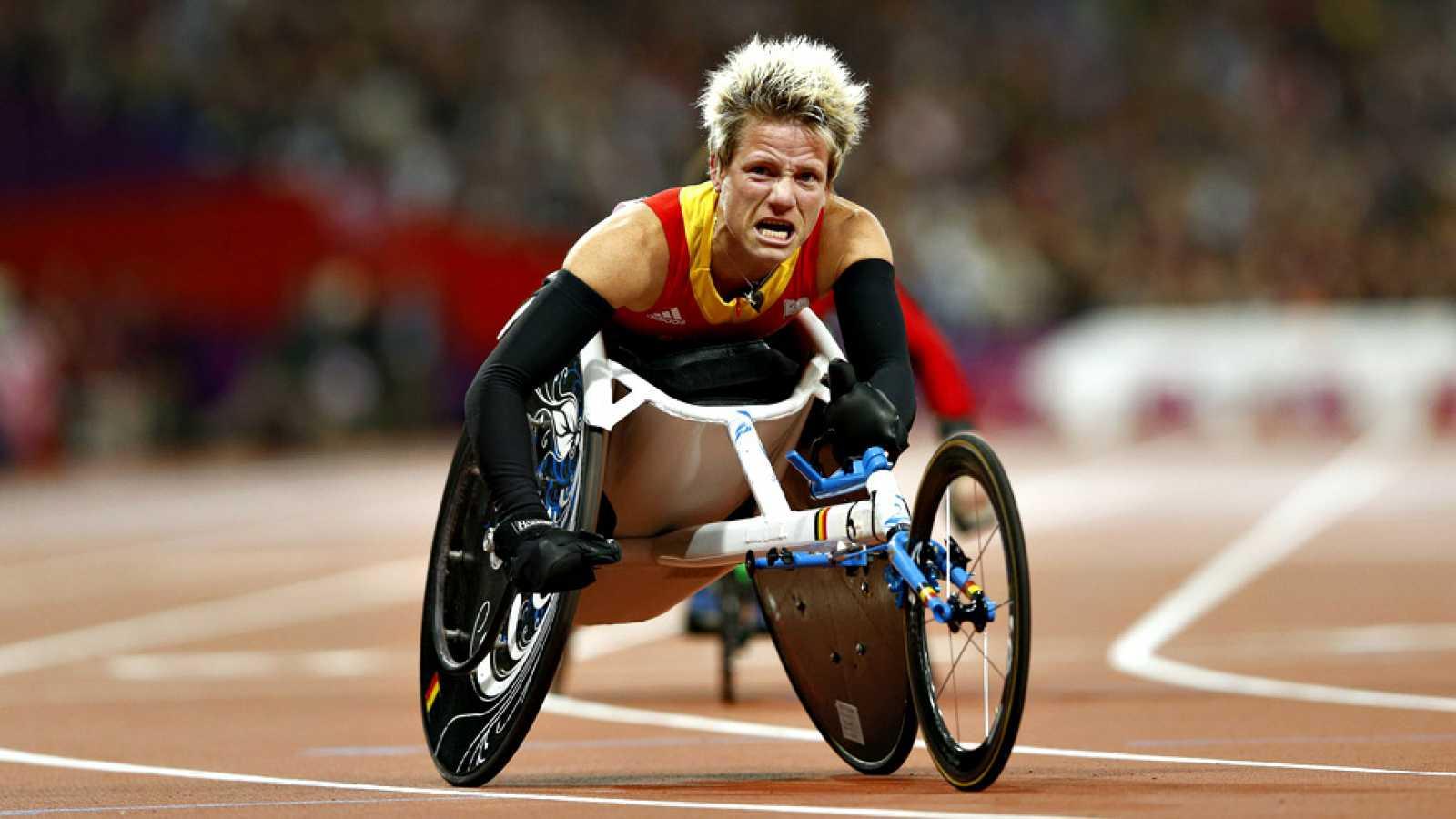 La exatleta belga Marieke Vervoort, cuatro veces medallista paralímpica, falleció el martes por la noche a los 40 años tras recibir la eutanasia. La exatleta belga, afectada por una enfermedad muscular degenerativa, pensaba desde 2008 en la opción de